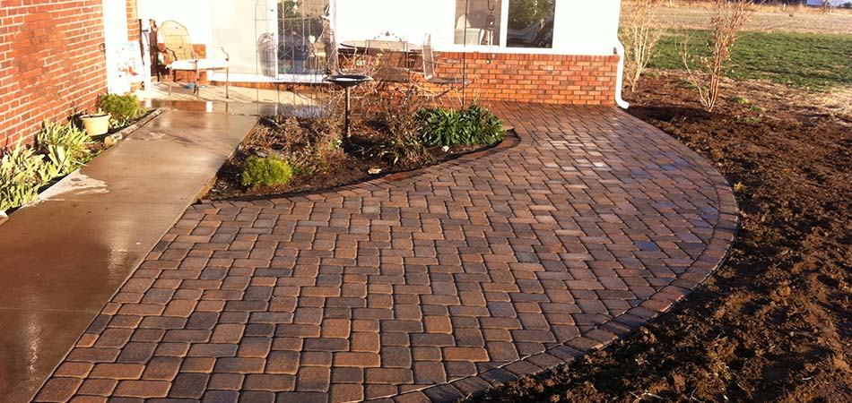 Paver patios are popular in Murray.